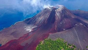 Gunung Anak Krakatau Kembali Erupsi, Wisatawan Dilarang Mendekat