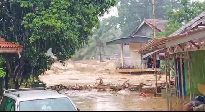 Kondisi Banjir Di Sajira