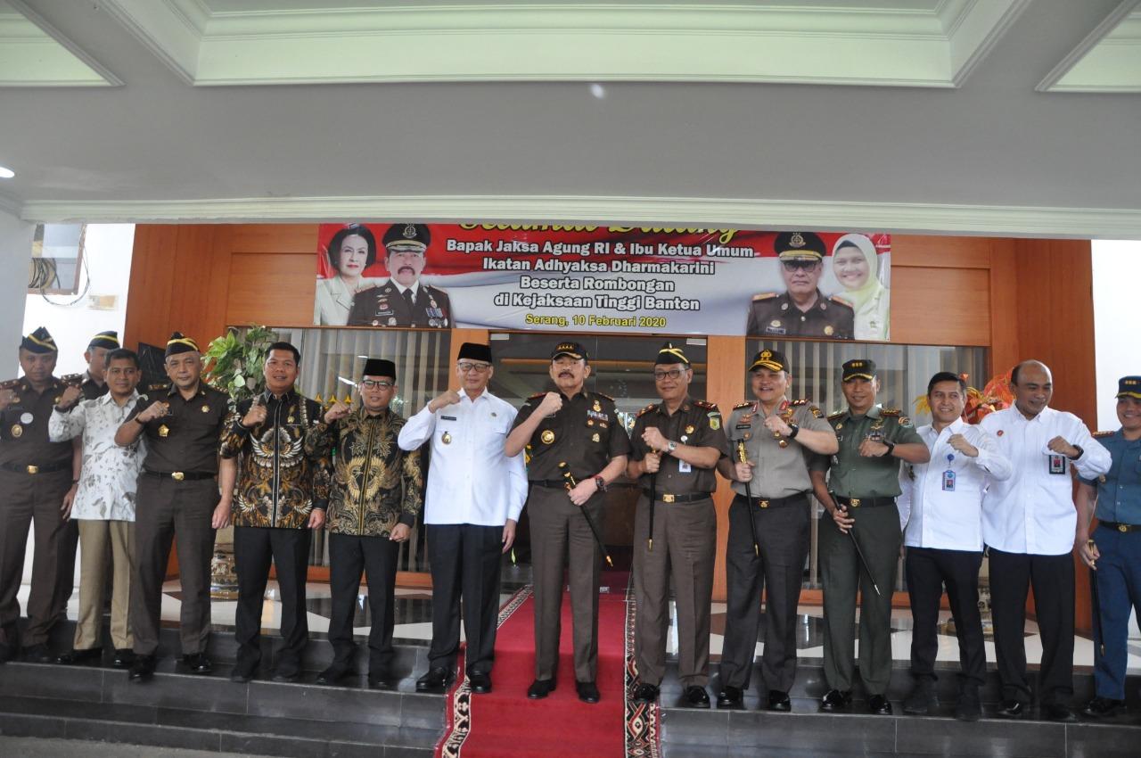 Kunjungan Ke Banten, Jaksa Agung Peringatkan Anak Buahnya Jangan Nakal