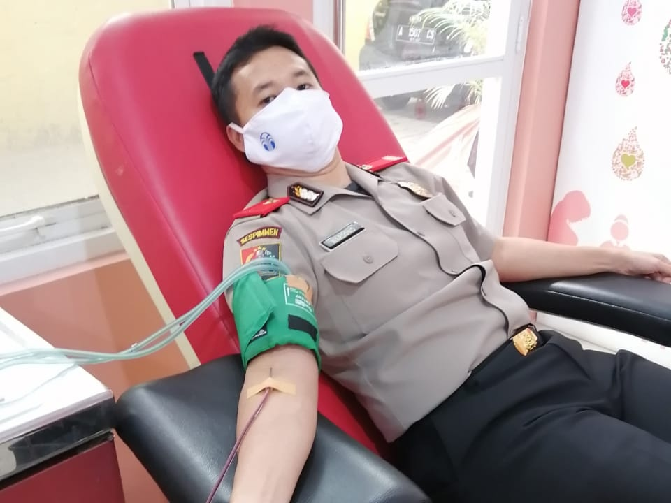 Serdik Sespimmen Angkatan 60 Donor Darah di PMI Serang